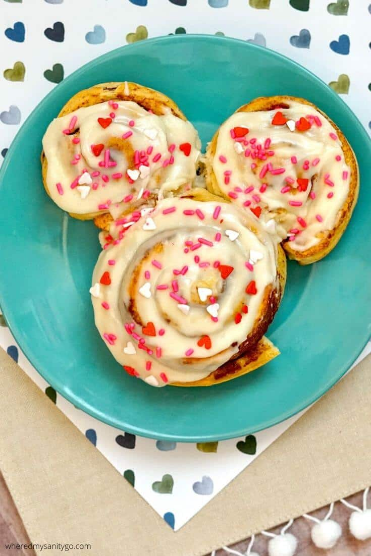 Easy Mickey Cinnamon Rolls That Look Like Mickey Mouse